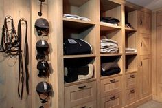 love the helmet storage...no smelly helmet in your tack trunk