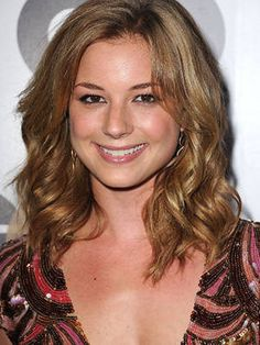 Emily Vancamp - love the color and length