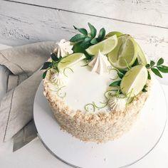 Сочный наполеончик с белым шоколадом 🌿🥝💚//#lavender_bakery #lavender_cake