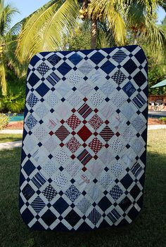 Quick, easy quilt.  Love the color blocking.