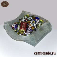 Оригинальная авторская стеклянная конфетница Снежная королева купить в интернет магазине Рукоделец