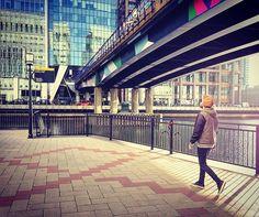 Canary Wharf  #canarywharf #london #england  #water #tourist #tourism #architecture #city #buildings #design #art #beautiful #fun #funnytime #instagood #visiting #holidays #belgium #beardman #belgiumboy #me #2016 by lexa_djem