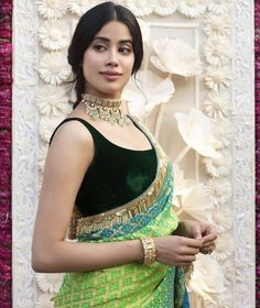 Jhanvi kapoor erotic cleavage queen Bollywood and tollywood with her curvy body Show. Hot and sexy Indian actress very sensuous thunder Thig. Bollywood Saree, Bollywood Fashion, Bollywood Actress, Indian Bollywood, Ethnic Outfits, Indian Outfits, Indian Clothes, Desi Clothes, Indian Attire