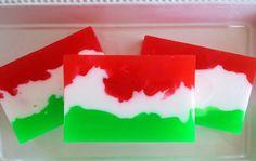 Pino rojo arándano - jabón artesanal de glicerina, jabón de Navidad, jabón de vacaciones