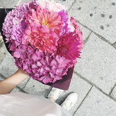 📷😍🌸   Merci  lesfleursdugolven  Osez offir de la créativité: www.coleebree.com  #stylistfloral #floral #flower #livraison #fleuriste #fleurs #bouquet #deco #flowerstagram #coleebree  #marketplace #flowerpower #génial @coleebree
