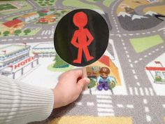 Recognizing Traffic Sign for Pedestrian