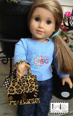Make a Doll Sized Fashionista Purse with Duck Tape - Doll Diaries