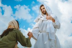 His Warm Embrace — A Moment With Christ Bible Photos, Bible Pictures, Images Of Christ, Pictures Of Jesus Christ, Jesus Christ Painting, Jesus Photo, Spiritual Paintings, Modern Photographers, Daughter Of God