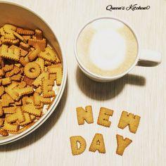 """""""Col passare del tempo, capirai. Quello che dura, dura; quello che non dura, non dura. Il tempo risolve molte cose. E quello che il tempo non riesce a risolvere, dovrai risolverlo da solo..."""" Haruki Murakami #buongiorno, si ricomincia con #cappuccino e biscotti☕️ [blog! http://www.queenskitchen.it ] follow Queen's Kitchen on Facebook  http://on.fb.me/1gq3DMB  #queensbreakfast"""