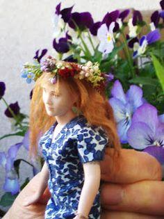 Doll by Taru Astikainen, styling by Hanna & Leijona Miniature Dolls, Miniatures, Crown, Portrait, House, Style, Swag, Corona, Headshot Photography