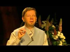 How to Escape the Prison of your own Mind - Eckhart Tolle Eckhart explains that we must get our usual, conditioned, limited thoughts out of the way. Ekhart Tolle, Power Of Now, New Earth, Wayne Dyer, Inspirational Videos, Guided Meditation, Ted Talks, Oprah, Law Of Attraction