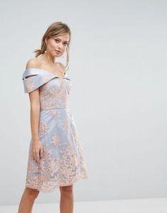 Chi Chi London - Vestito premium con scollo alla Bardot in pizzo at asos.com 76433e422df