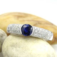 14K Recycled White Gold 1ct Blue sapphire