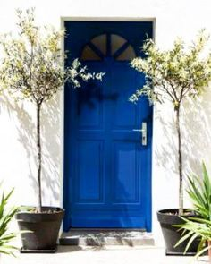 Classic Blue: adopt the Pantone 2020 color in its decor Palette Pantone, Pantone Colour Palettes, Blue Colour Palette, Blue Color Schemes, Pantone Color, Design Blog, Design Studio, Design Design, Design Trends