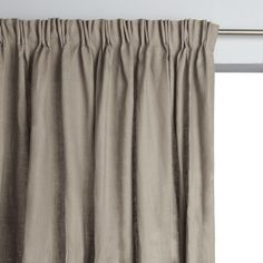 Colin single curtain with pinch pleats in 100% linen. With a beautiful drape to dress your windows with elegance. Create your pleats, at regular intervals, according to the overall width of your window using the hooks provided.Fabric content:- 100% linenFinish:   - Pinch pleat header with pleated heading tape. - Ready to hang with finished hem.  Care advice:- Machine washable at 40°C. Sizes to order:- Width 420 x Drop 180cm- Width 420 x Drop 220cm- Width 420 x Drop 260cm- Width 420 x Drop…