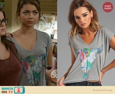 Haley's grey skull graphic t-shirt on Modern Family. Outfit Details: http://wornontv.net/21175 #ModernFamily #ABC