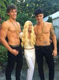 Donatella Versace hace el Ice Bucket Challenge