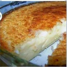 Impossible Coconut Pie II IMPOSSIBLE PIE~~ All the ingredients are mixed together and poured into a pie tin, but when it cooks it forms its own crust with filling This has a coconut vanilla taste like a coconut cream pie 2 cups milk 1 cup flaked coconut 4 Yummy Recipes, Pie Recipes, Sweet Recipes, Dessert Recipes, Cooking Recipes, Recipes Dinner, Healthy Recipes, Recipies, Quick Recipes