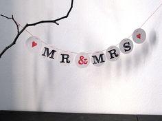 Hochzeitsgirlanden - MR & MRS _ HochzeitsGirLande aus Buchstaben - ein Designerstück von renna-deluxe bei DaWanda