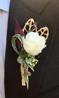 ...ogni matrimonio ha il suo stile! ...little details #picoftheday  #bouttoniere #wedding #ceremony #flowers #flowergram  #бутоньерка #свадьба #свадьбавиталии  #свадебнаяцеремония #цветынасвадьбу #свадьбавриме #flaviabrunifloraldesigner