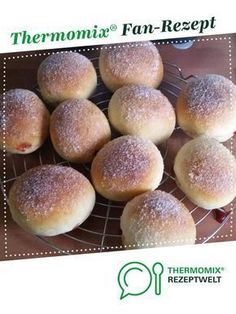 Oven berliner super soft- Ofenberliner super Soft Oven berliner super soft by A Thermomix ® recipe from the category baking sweet www.de, the Thermomix ® community. Lemon Desserts, No Bake Desserts, Baking Desserts, Bread Recipes, Cookie Recipes, Thermomix Desserts, Food Cakes, Pampered Chef, Sweet Bread