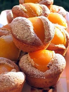 Food Photo, Muffins, Deserts, Cupcakes, Yummy Food, Bread, Fruit, Recipes, Peaches