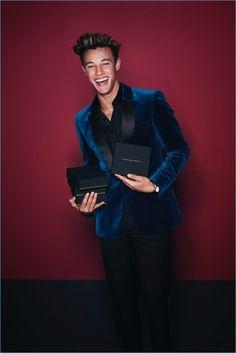 Cameron Dallas stars inDaniel Wellington's holiday 2017 campaign