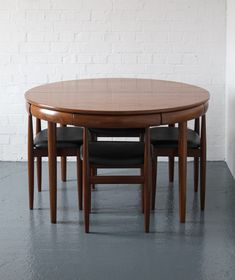 Teak and Afromosia Dining Set for Frem Rojle, Hans Olsen; Juego de comedor de teca y … Expandable Dining Table, Teak Dining Table, Dining Table Design, Table And Chairs, Round Dining Table Modern, Room Chairs, House Furniture Design, Home Furniture, Coaster Furniture