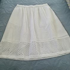 Madewell Eyelet Skirt Lovely.. New with tags 27.5 inches in length Madewell Skirts A-Line or Full