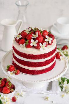 Red Birthday Cakes, Red Velvet Birthday Cake, Strawberry Birthday Cake, Christmas Birthday Cake, Vegan Birthday Cake, Red Cake, Vegan Red Velvet Cake, Best Red Velvet Cake, Bolo Red Velvet