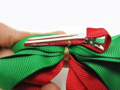 Red and Green Christmas Pointed Loopy Holiday Hair Bows | Bowdabra Blog