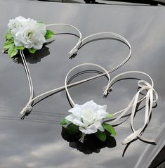 Living decor how to beard Wedding Flowers: Helpful Tips For Doing It Yourself April Wedding, Rose Wedding, Dream Wedding, Wedding Cars, Bridal Car, Wedding Car Decorations, Cream Outfits, Hearts And Roses, Wedding Anniversary Cards