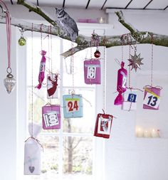 Adventskalender basteln - kleine Geschenke am Ast