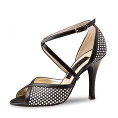 """Une petite touche vintage luxe pour ce modèle de chaussures de danse Simona de Nueva Epoca de Werner Kern haut de gamme très raffiné. Modèle """"Simona"""" de Nueva Epoca 165€ www.label-latin.com"""