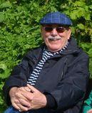 Karl-Heinz Geiß (* 08. September 1936 in Gustavsburg) ist ein deutscher Maler. Seine künstlerische Werke umfassen verschiedene Techniken; Malerei (Öl auf Leinwand und Holz); Zeichnung, Aquarell, Buntstifte, u. a. Geiß hielt Landschaften, Urlaubsimpressionen, Menschen und Tiere fest. Auch malte er gerne Stillleben. Heinz, September, Oil On Canvas, Still Life, Animales, Landscapes, People