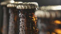 Πώς να Ανοίξετε μια Μπύρα Μόνο με Ένα Κομμάτι Χαρτί