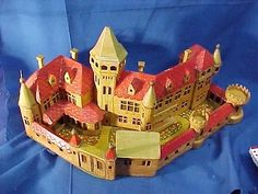 Castles, Castles and More Castles! by sportscarlycody Toy Castle, Plastic Soldier, Retro Toys, Baby Items, Soldiers, Castles, Modeling, Buildings, Games