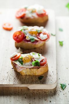 Crostini With Bacon, Quail Eggs and Cherry Tomatoes