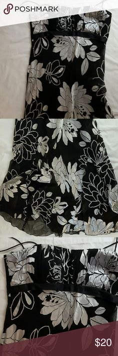 Stunning NWOT Maxi Dress 14 NWOT, Black and white Floral, Double Layered, Maxi Dress. Noticeably high  quality the instant you lay eyes on it. Metaphor Dresses Maxi
