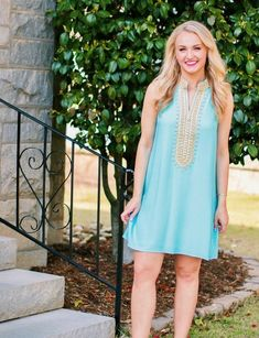 This warm and sunny weather is giving me LIFE right now 🙌🏻☀️ Perfect for breaking out new @LillyPulitzer like this blue little number that's on my graduation dress guide 🎓🎉 Less than 2 weeks until the big day!! Hope you're having a happy weekend 💕 // Shop all of my pictures instantly by clicking the link in my bio! // #resort365 #ilovelilly #sscollective #myshopstyle #shopwithme #livecolorfully #southernstyle #lifestyler #bloglovin