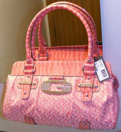 Saw this pink guess purse today at the Guess store -for need it! Guess Purses, Guess Bags, Cute Purses, Guess Handbags, Purses And Handbags, Girly Things, Girly Stuff, Purse Styles, My Bags