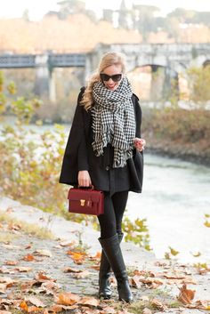 black cape with houndstooth scarf winter outfit red and houndstooth holiday ou Winter Chic, Autumn Winter Fashion, Winter Style, Holiday Outfits, Winter Outfits, Houndstooth Scarf, Black Cape, Outfit Trends, Red Handbag