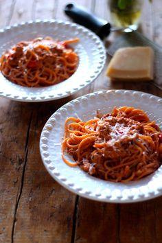 As Minhas Receitas: Esparguete Picante com Atum e Tomate Cereja