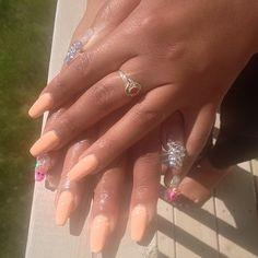 All I saw was teeth thats when I knew I done bad @envymoii  #nailtech #trapnails #swarovski #tmblrfeature #gelnails #nailcharms #sugarskull #pink #ignails #brampton #tdot #diamonds #acrylicnails #nailedit #nails4yummies #accessories #dopenails #nailsonfleek #glitter #beauty #mua #shine #bling #crystal #nailporn #nailswag #motd #nailart #nailmax #peaches