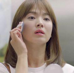 Song Hye-Kyo Makeup Beauty : Descendants of the Sun Kang Mo Yeon Laneige BB Cushion