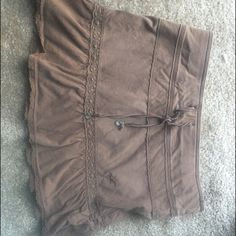 Brown Hollister skirt Great condition prefect for summer Hollister Skirts Mini
