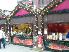 Christmas Market was held at Yokohama Red Brick Warehouse in 2011 in Japan(2011年 横浜赤レンガ倉庫のクリスマスマーケット)