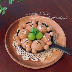 こんばんは( ´ ▽ ` )ノ  きのう焼いたちぎりパンです♡  ジャッキー&ルルロロ←のつもり(*´艸`*) ココアを混ぜた生地に…