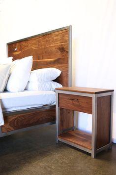 Walnut Industrial Bed por foundpurpose en Etsy