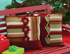 Ravelry: Hollyday Pillows pattern by Katherine Eng